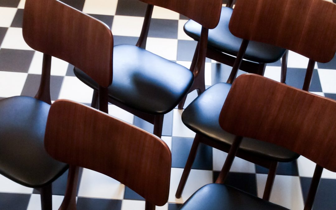 Gammal stol blir som ny